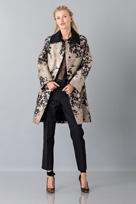 Cappotto oro con decori neri e rosa